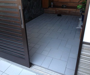 倉吉市の玄関・ポーチタイル貼り工事お任せ下さい
